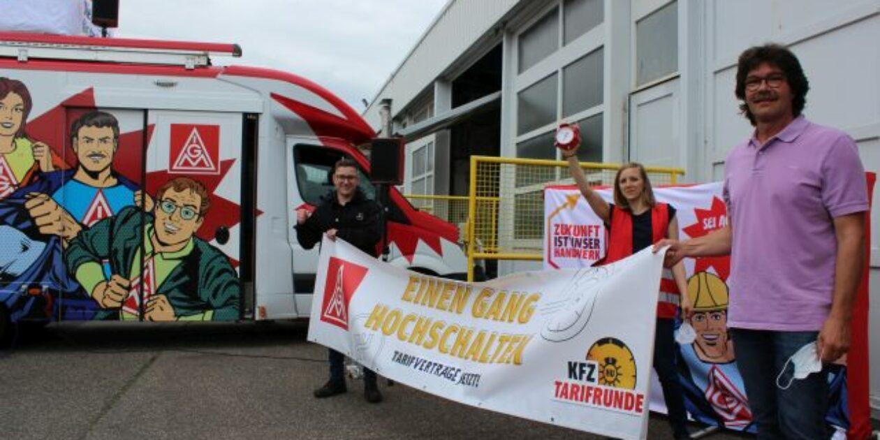 Warnstreik bei Daimler Nutzfahrzeuge in Koblenz eröffnet die Aktionswoche im Kfz-Handwerk
